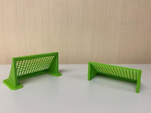 兩個綠色足球龍門框模型
